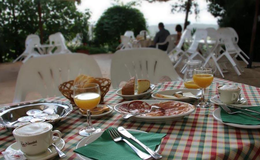 colledivaldelsa fattoria di mugnano colazione